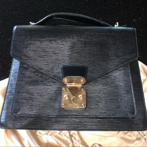 Louis Vuitton Serviette Claid